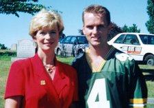 Shaun Halley, Linda Lee