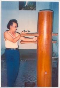 Sifu Nguyen Ngoc Noi with Wooden dummy (1993)